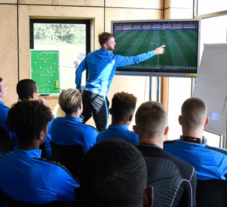 Présentation Ecole Des Métiers Du Football - EMF